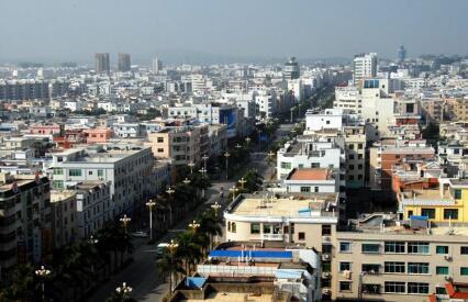 沈海高速公路在漳浦设有3个互通口.