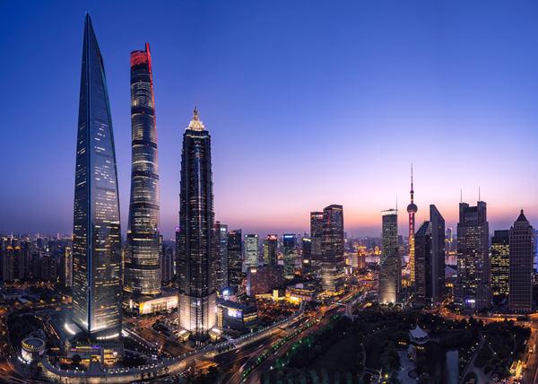 摄图网_500648416_上海陆家嘴城市建筑风光(企业商用).jpg